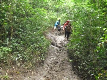 Medan perjalanan yang kami tempuh pada musim hujan.