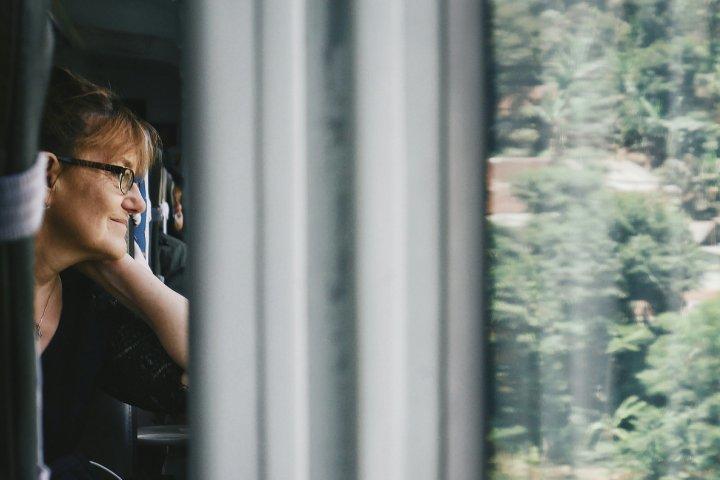 Mengapa Bangku di Dekat Jendela Kereta LebihBaik?
