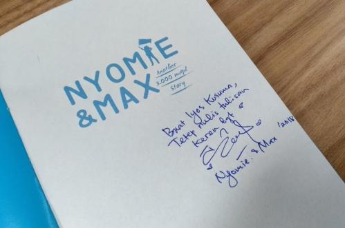 Buku Nyomie Max.jpeg